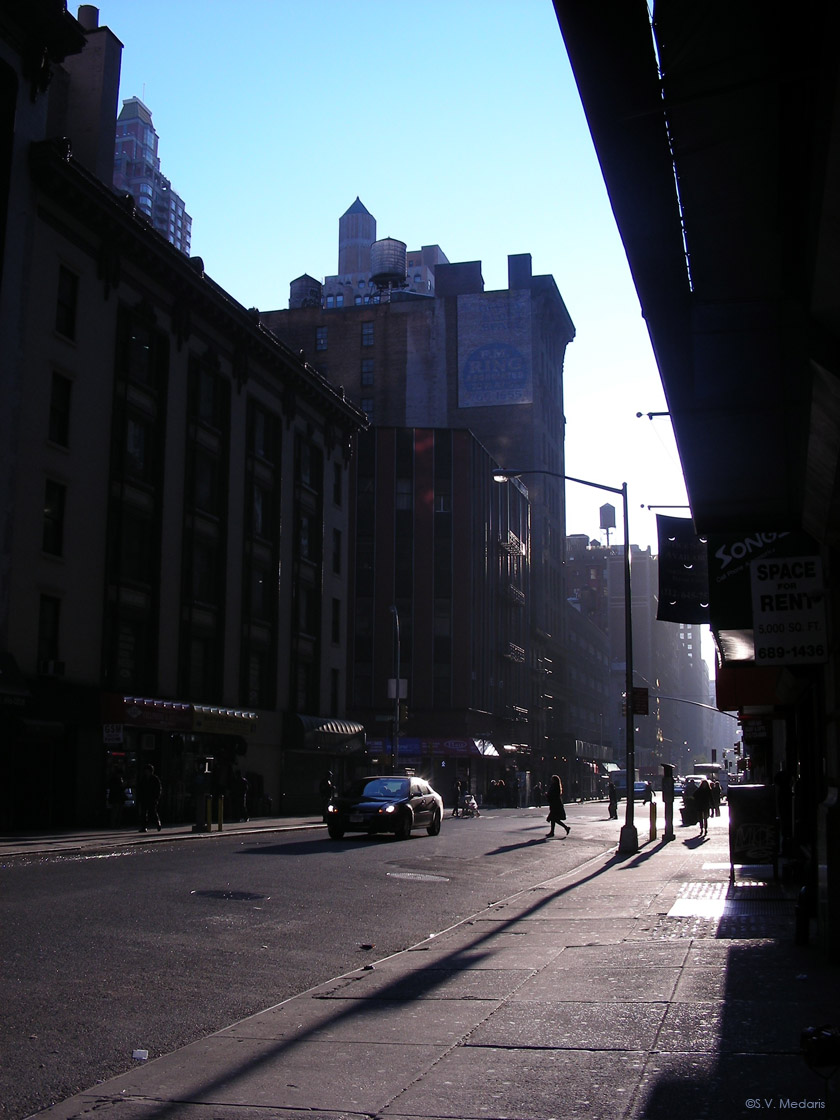 Around the corner, Manhattan Street